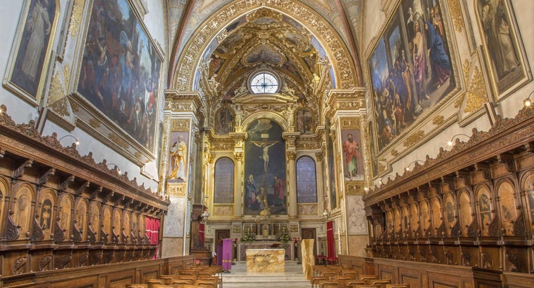 What Are Some Tools to Locate Sunday Evening Masses?