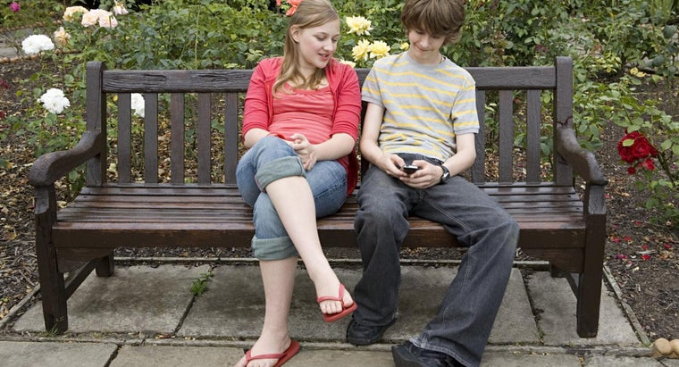 What Is the Best Age for Teenage Dating?