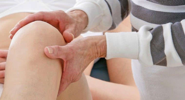 What Are Some Home Remedies for Knee Inflammation and Pain?