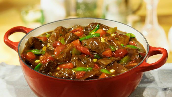 What Are Some Easy Stovetop Beef Stew Recipes?