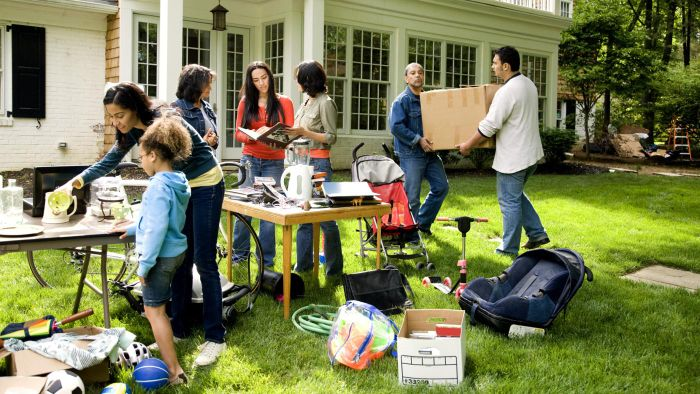 How Do You Successfully Promote a Yard Sale Online?
