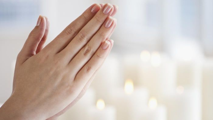 What Are Some Examples of Opening and Closing Prayers?