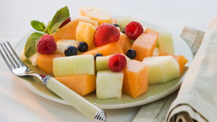 What Is an Easy Fruit Salad Recipe?