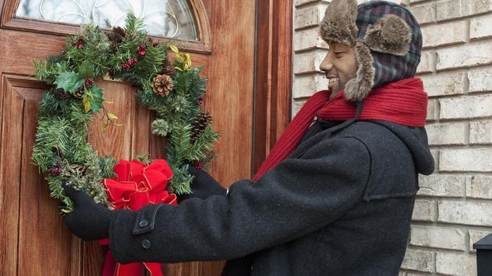 How Do You Make Front Door Wreaths?