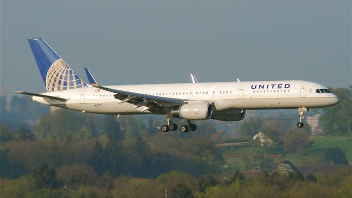 Can you purchase seats together on United Airlines?