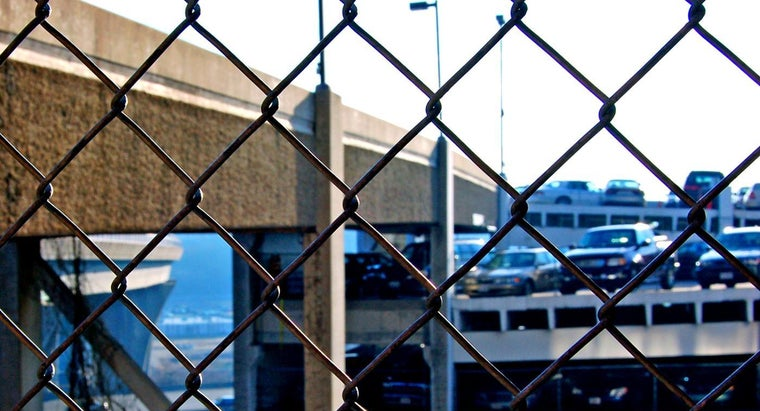 How Much Does Chainlink Fence Installation Typically Cost?