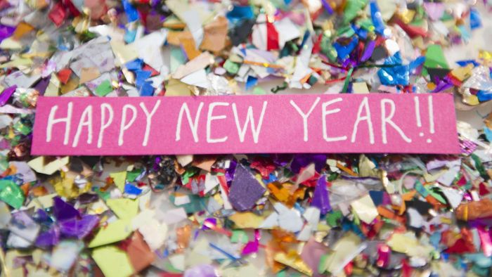 What Are Some New Year's Wishes for a Greeting Card?