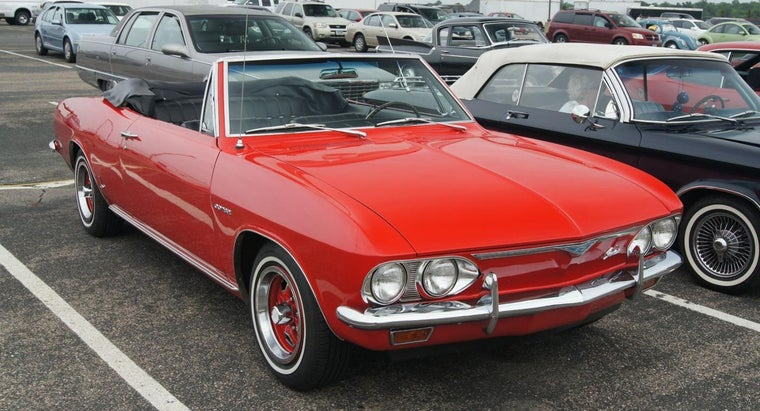 What Are Some Features of a Chevy Corvair Convertible?