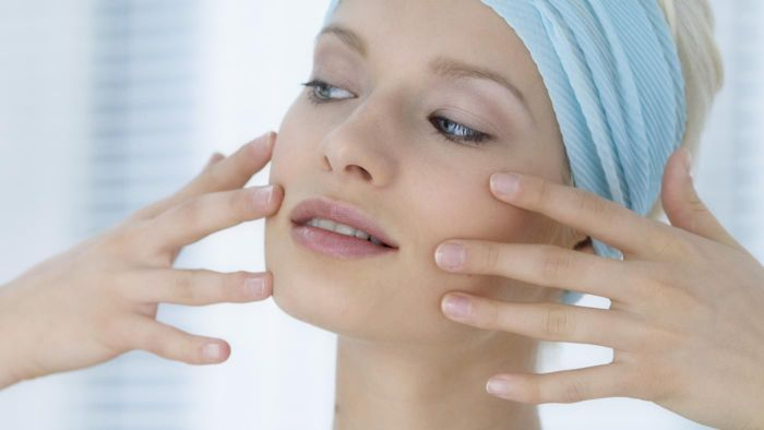 What is the average price of face lift surgery?