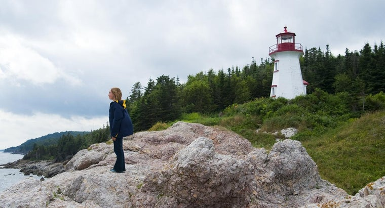 What Are Some Lighthouse Building Projects for Children?