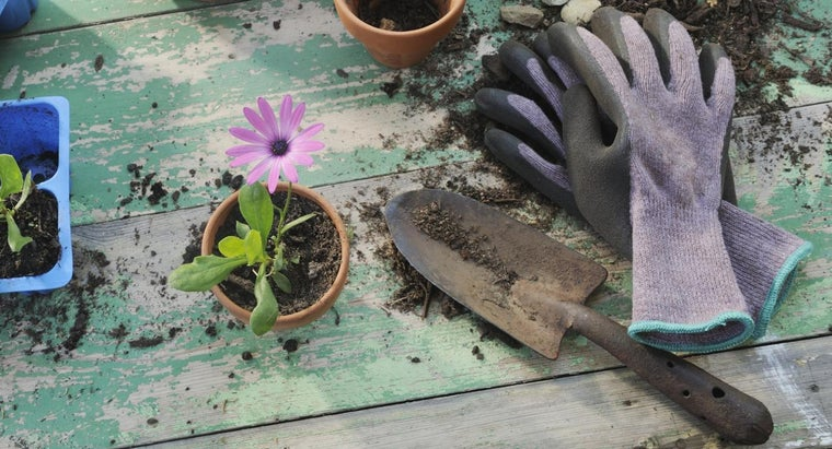 How Do You Find Manufacturers of Garden Tools?