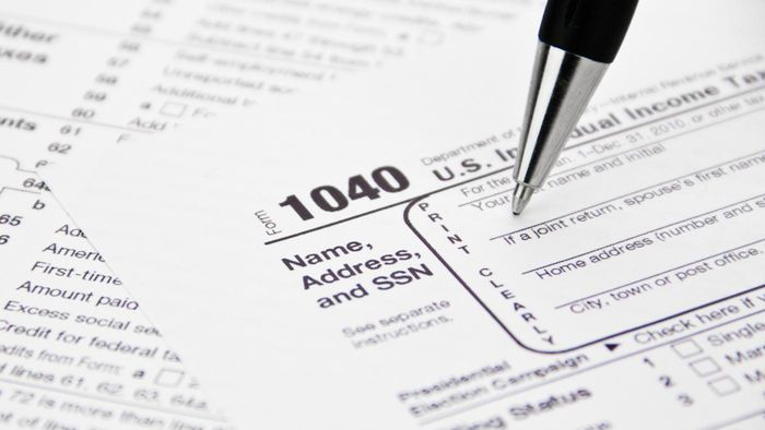 How Can a Person Find the Status of His IRS Refund?