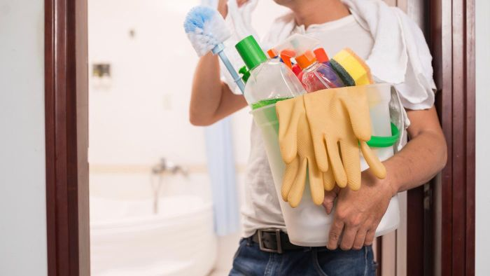What Are Some Tips for Choosing a Property Cleaning Service?