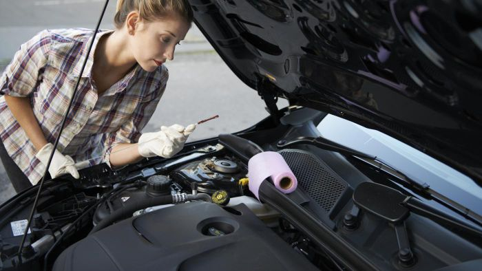 Where can you find a mechanic to fix an engine oil leak?