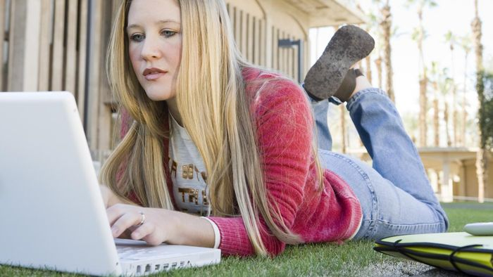 What Are Some Online Options for College-Level Psychology Courses?