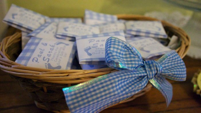 What Are Some Baby Shower Games for a Boy?