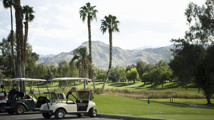 Are There Fees to Belong to a Country Club?