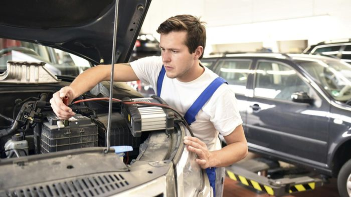 Who Is the Best-Rated Car Battery Manufacturer?