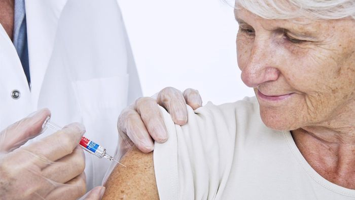 How do you qualify for a free shingles vaccine?