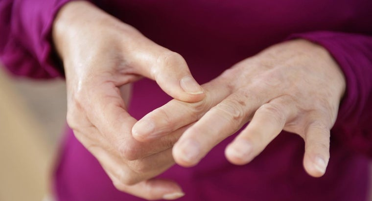 How Do You Treat Finger Joint Swelling?
