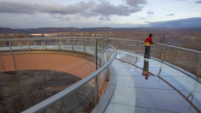What Can You See From the Grand Canyon Skywalk?