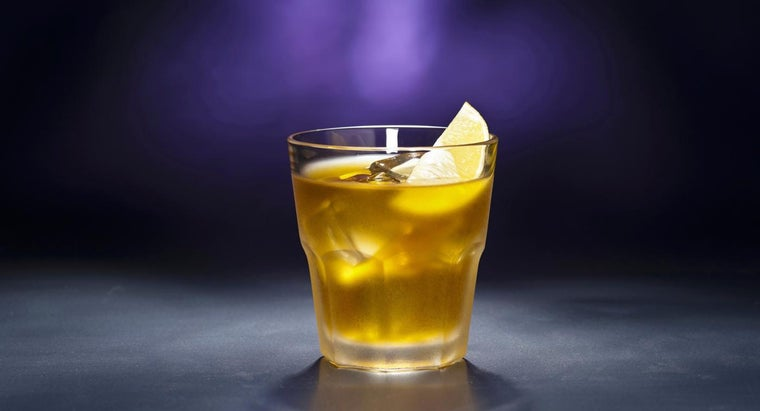 Which Ingredients Do You Use to Make a Rusty Nail Drink?