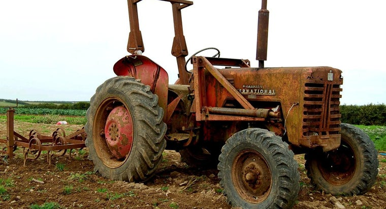 What Are Some Useful Tractor Accessories?