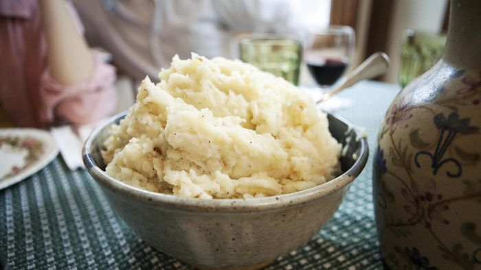 What Is a Make-Ahead Recipe for Mashed Potatoes?