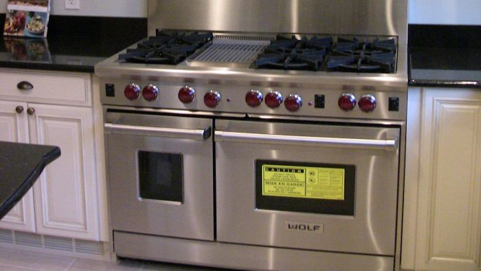 What brand of double oven range has the best reviews?