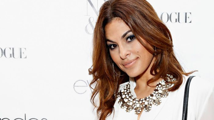 What Type of Bathing Suit Does Eva Mendes Wear?