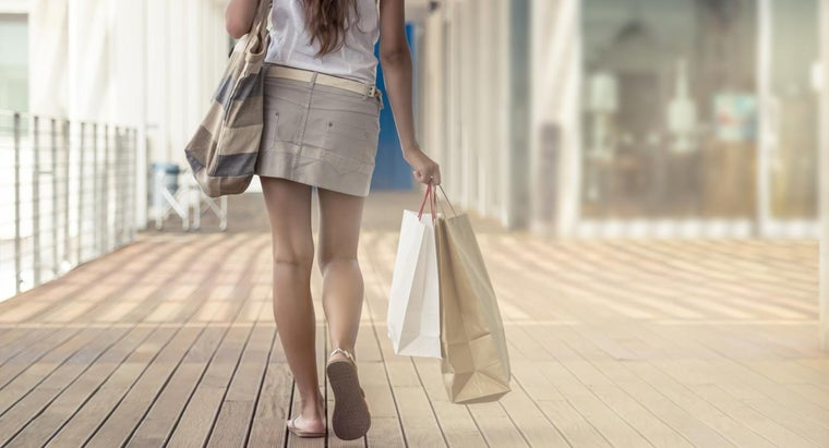 What Is the Largest Outlet Mall in New York State?