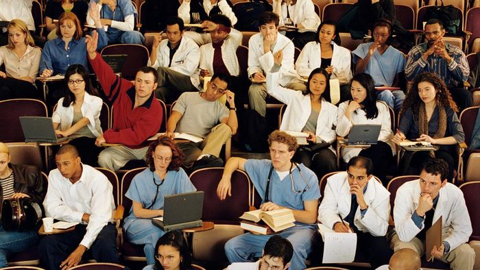 Where are some well-known medical colleges?