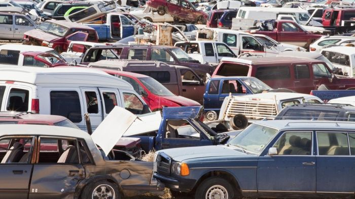 What Are Some Benefits of Going to an Auto Salvage Yard?