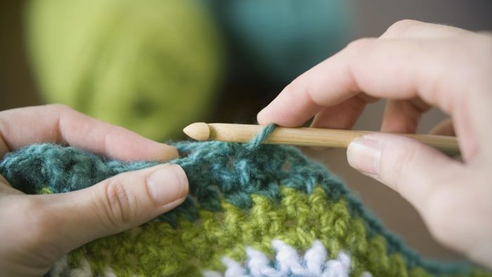 What Are Some Tips on How to Crochet for Beginners?