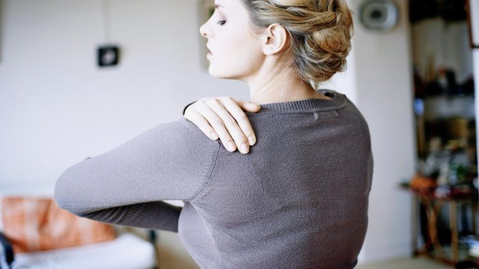 What Are Some Possible Causes of Severe Shoulder Pain?