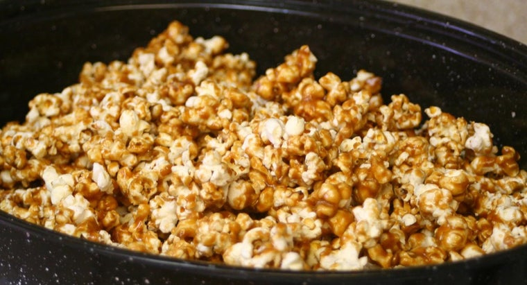 What Is a Good Recipe for Caramel Popcorn Balls?