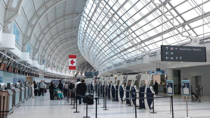 How Can You Check Flight Arrivals at Toronto's Pearson International Airport?