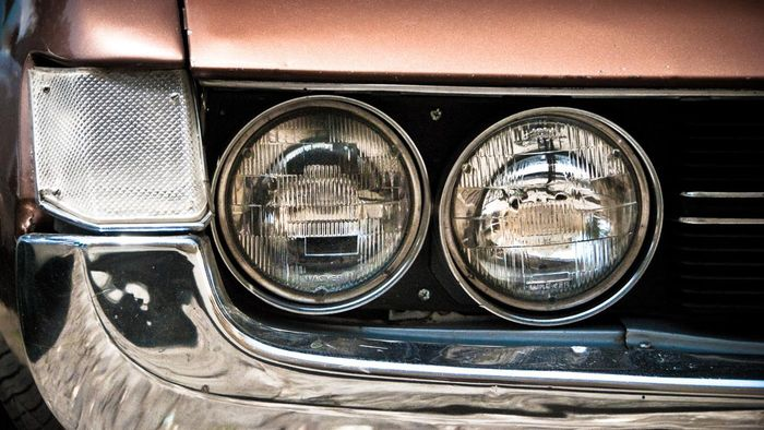 What Are the Steps for Headlight Lamp Replacement?