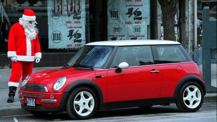 Who Makes the Mini Cooper?