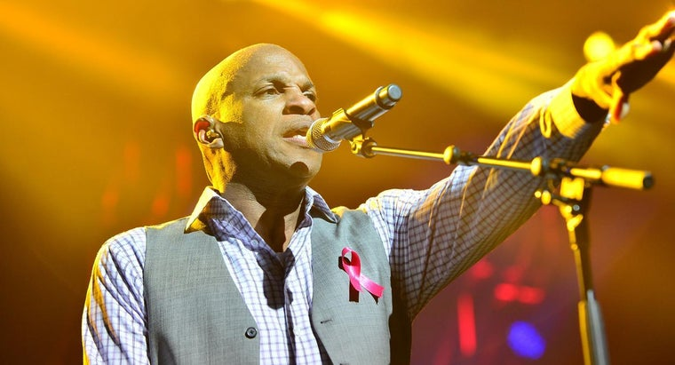 Who Is Donnie McClurkin Married To?
