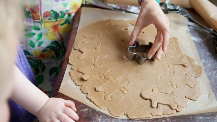 What Are Some Easy Gingerbread Recipes for Kids?
