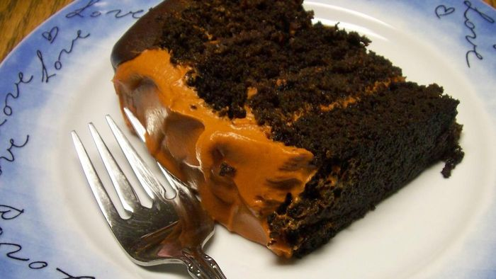 How do you bake a pumpkin chocolate cake?