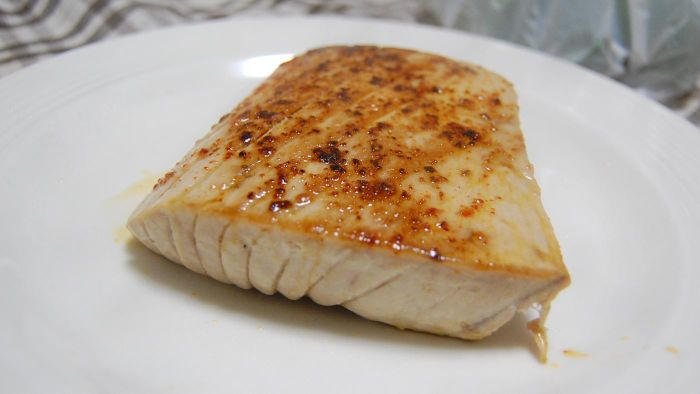 What Is a Good Baked Tuna Steak Recipe?