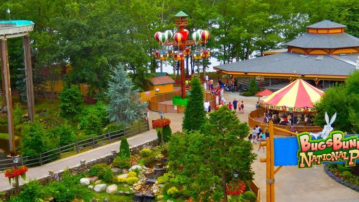 What Are the Benefits of Purchasing Six Flags Season Passes?