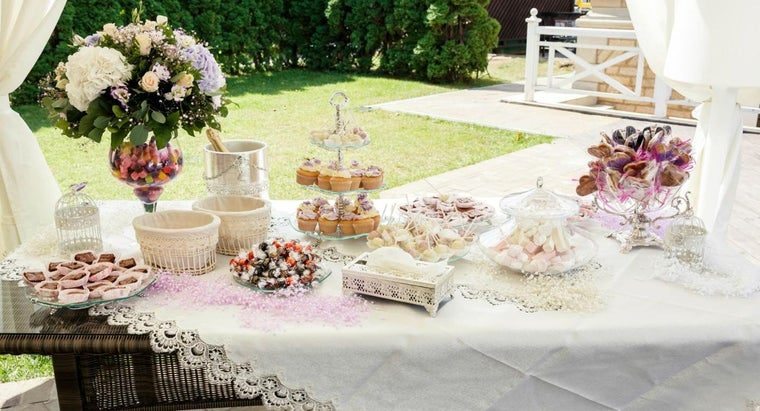 What Is a Good Way to Prepare a Candy Table for a Wedding Reception?