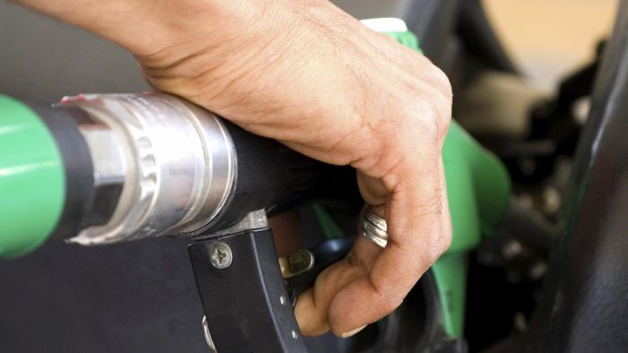 What are the specifications of a high-pressure fuel pump?