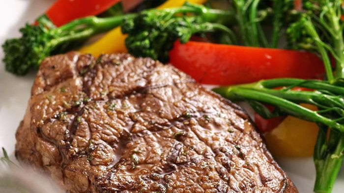 What Are Some Recipes for Grilling Filet Mignon?