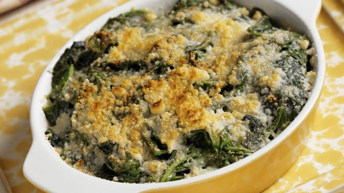 How do you make spinach casserole?