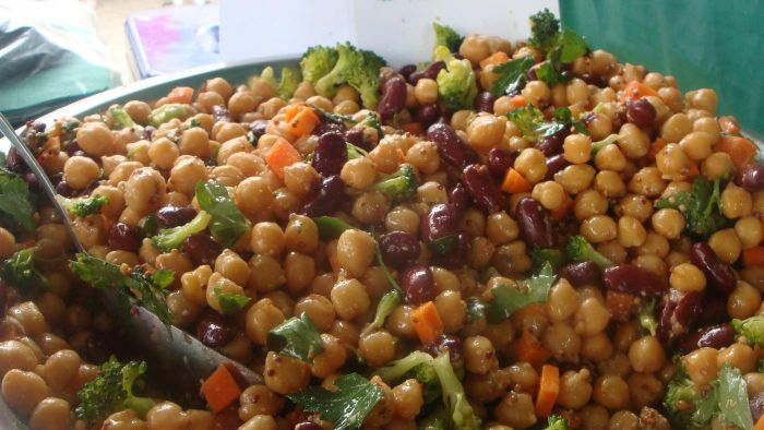 What Is a Healthy Recipe for Bean Salad?