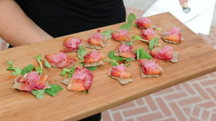 What Are Some Simple Party Appetizers?